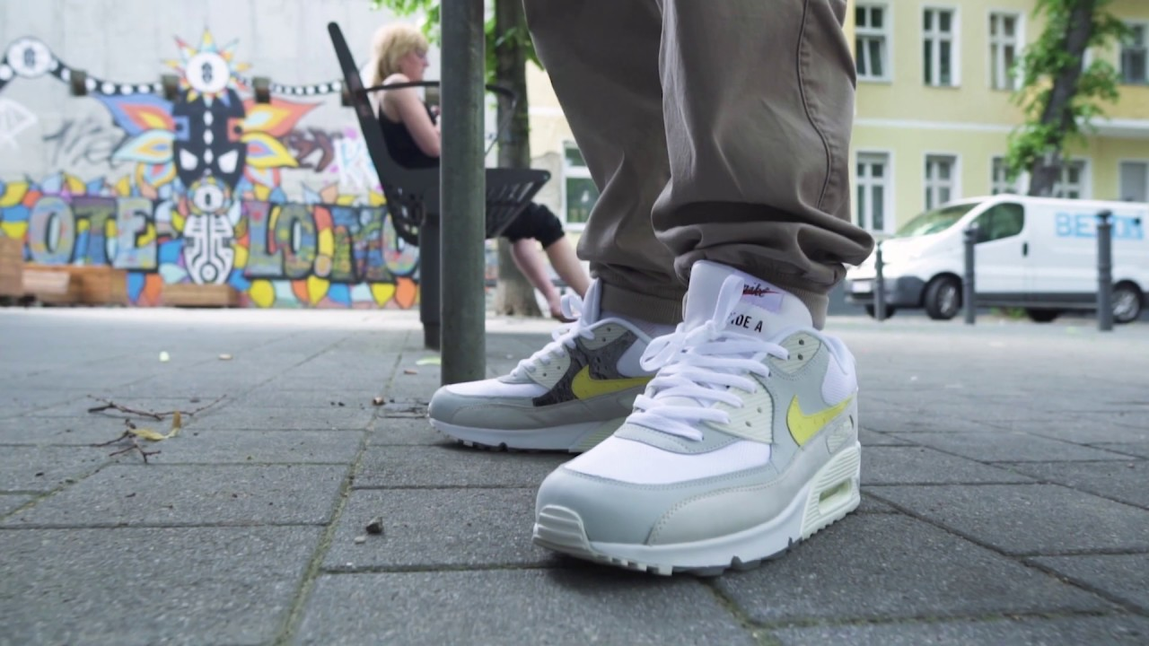 best value presenting on feet shots of Nike Air Max 90