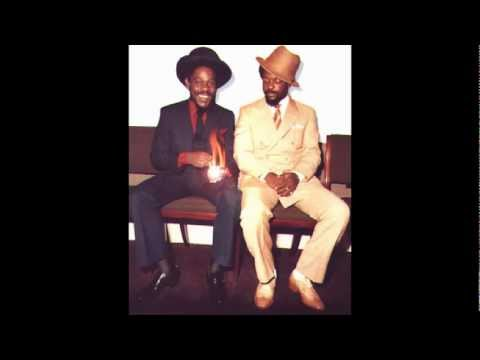 Dennis Brown - Weep And Moan