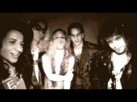 Mother Love Bone Holy Roller 1989 (live) mp3