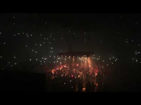 Kanye West | Saint Pablo Tour (9-20-2016 Houston, TX) - Pop Style