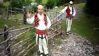 Lek Pecnikaj & Gjovalin Prroni   Shal e Shosh   Nikaj Mertur