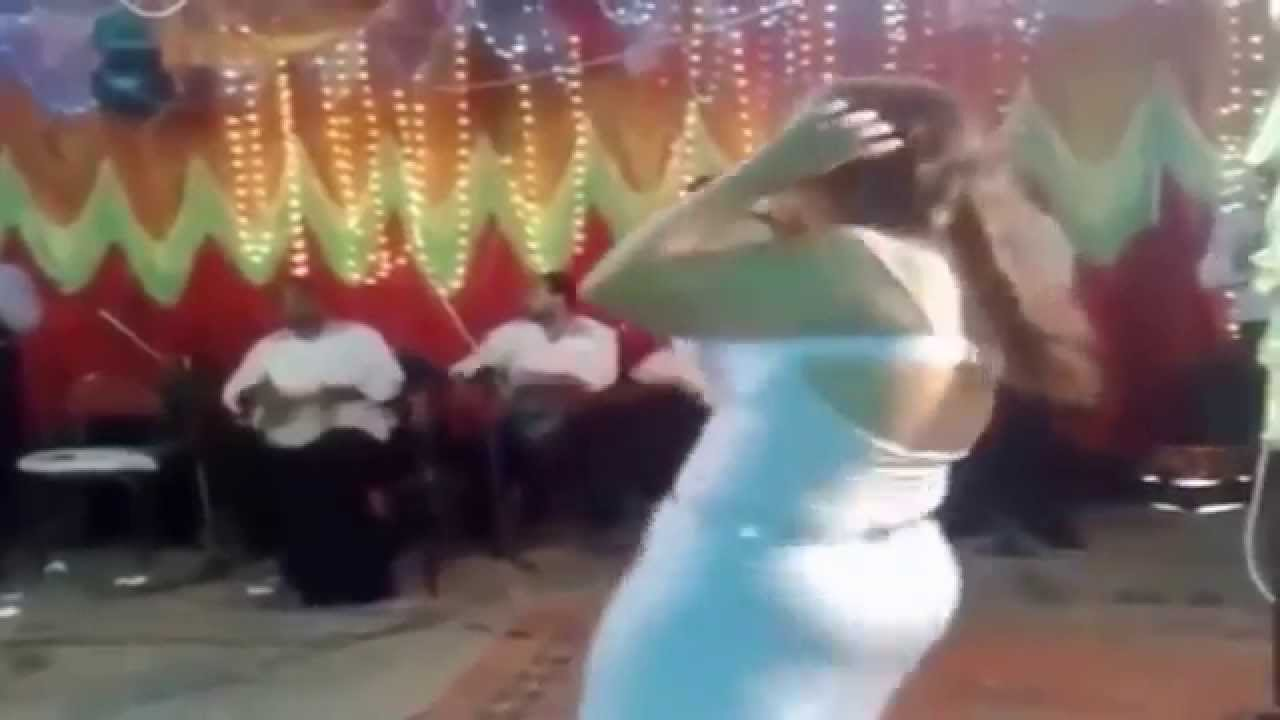 dance big ass arab /grosse cuisse dance/ اكبر طيز عربي رقص نار