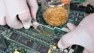 Baixar Gold Recycle from scrap components electronics. connectors Electronic circuit Boards computer parts.