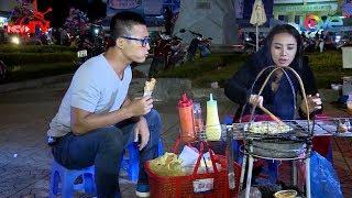 Miko Lan Trinh trổ tài nướng bánh tráng tại chợ đêm Đà Lạt cho Thiên Vương ăn 😜
