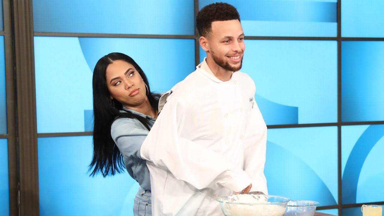 Steph & Ayesha Curry Get Cooking in the Kitchen - YouTube