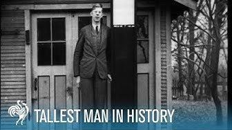 "The World's Tallest Man: Robert Wadlow 8'11"" aka the Alton Giant (1936) | British Pathé"
