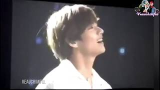 Taehyung suddenly stopped during Truth Untold + Jungkook can't stop laughing