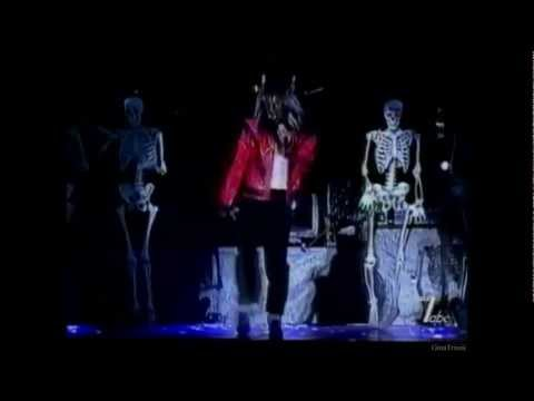 Michael Jackson。。Thriller。。(With  Red Jacket)