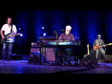 Michael McDonald & Toto Live On Tour 2014