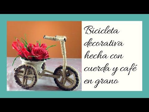 Bicicleta hecha con cuerda y caf  Bicycle made with rope