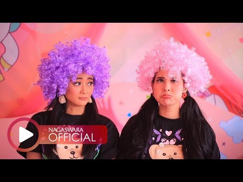 Duo Anggrek - Goyang Duo Anggrek (Official Music Video NAGASWARA) #music