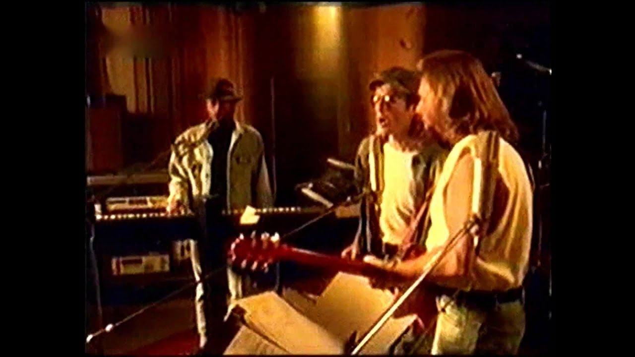 bee-gees-kiss-of-life-albun-size-isnt-everything-music-video-1993-conoce-a-los-bee-gees