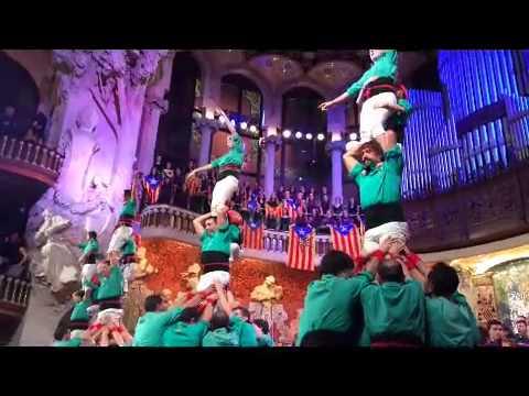Cant de la Senyera al Palau de la Musica al concert de Nadal