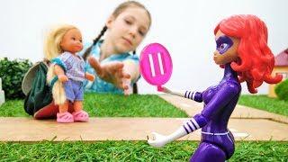Игры с Барби: Штеффи летит в Париж