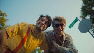 Смотреть клип Bbno$ & Yung Gravy - Bandsville