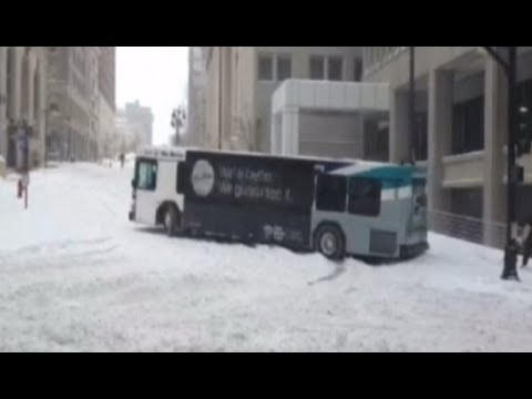 Major winter storm hits US Midwest