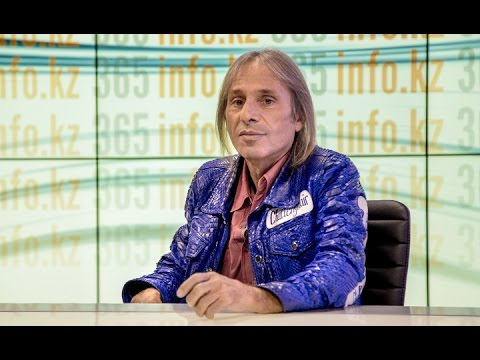 White. Spiderman Alain Robert: a game between life and death.