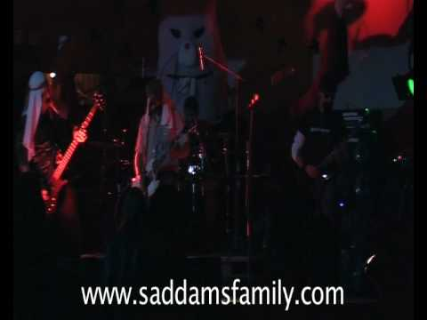 Saddam's Family: (Shia walking) On the Sunni side of the street live at Hellbilly Rock 30.08.2008