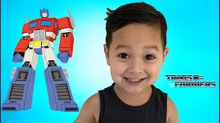 father & son unbox Transformers Optimus Prime G1 from 1984