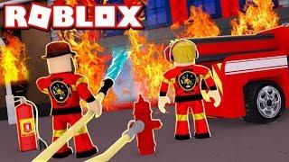 LAVORO COME UN FIREFIGHTERS in ROBLOX FIRE FIGHTING SIMULATOR