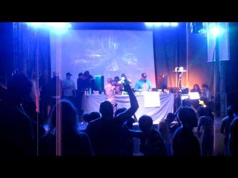 Dezza Live At Evolve 2011