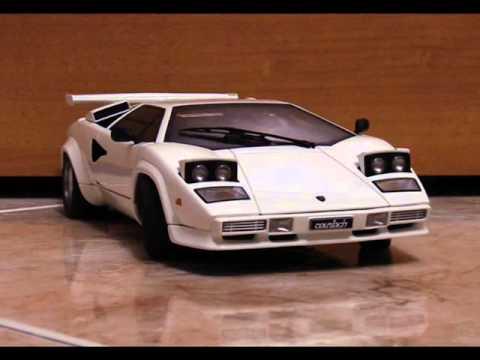 Autoart 74532 1 18 Lamborghini Countach 5000s White
