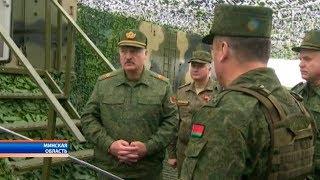 Президент Беларуси посетил учения «Запад-2017» на Борисовском полигоне
