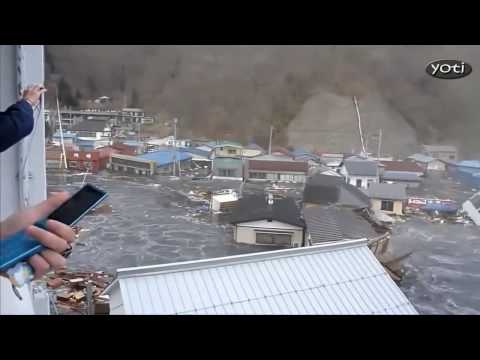 Dramatic Japan Tsunami footage (Prt1) Revised