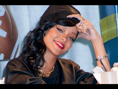"Rihanna Tearful Over First No. 1 Album ""Unapologetic"""