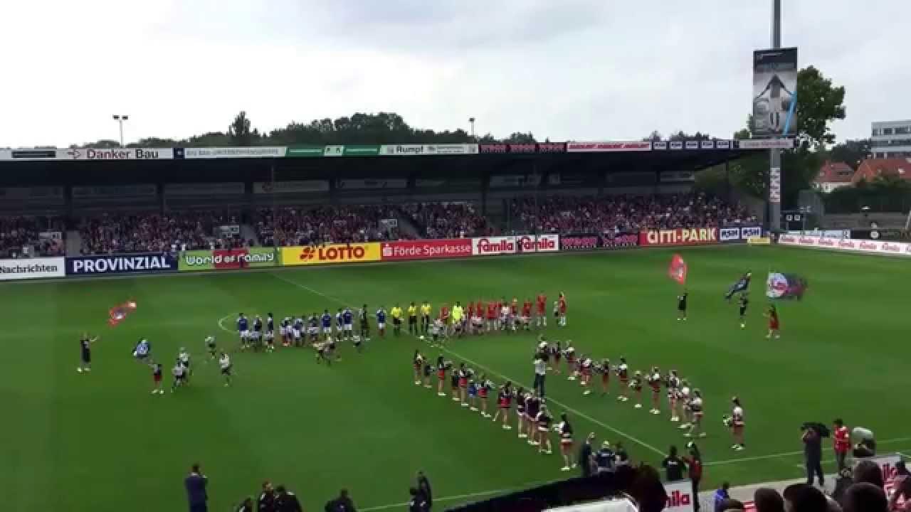 Holstein Kiel einlaufen - YouTube