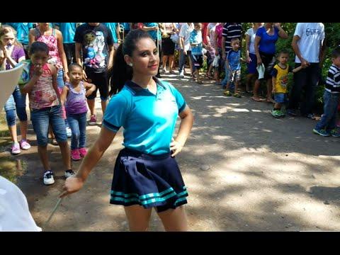 Desfile de la Escuelita loca (Centro Escolar El Quebracho).La Pantera Rosa. Parte 2