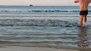 Корабль и купание с утра. 7.30 воздух +6 море + 13 - 6.11.2018 #АНАПА #ВИТЯЗЕВО #ДЖЕМЕТЕ