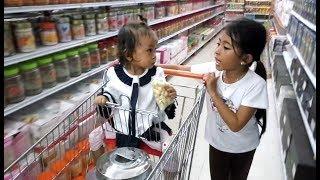vuclip Vlog Belanja Peralatan Dapur di Supermarket dan Hunting Mainan Anak, Mau beli mainan apa ya??