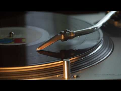 Soul ll Soul - Keep on moving 12 inch Pianopella + instrumental @ Arnold's