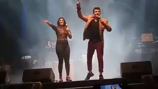 "Gambar cover Sonu Nigam & Shreya Ghoshal Amazing live performance on ""Bole Churiya Bole Kangana"" Song 360p"