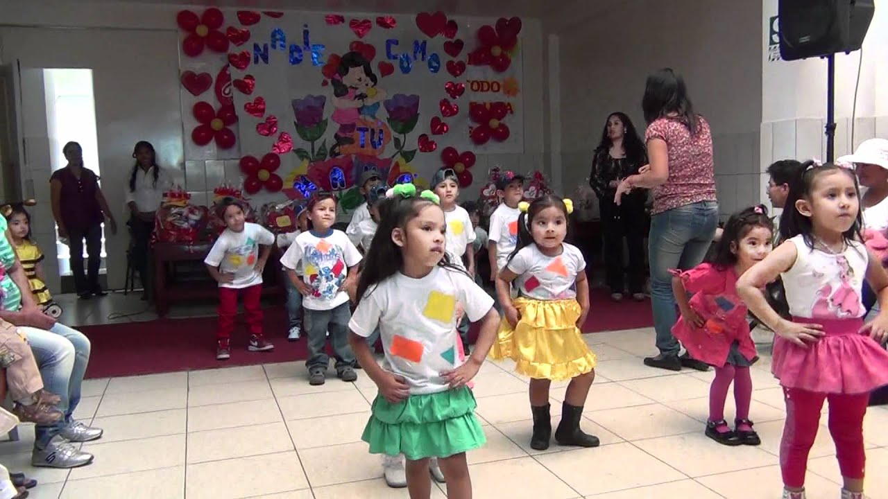 Feliz dia de la madre baile de inicial de 4 a os 2012 for En 8 dias cumplo anos