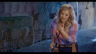 Chiquis Rivera - Entre Botellas (Video Oficial) [Acústico]