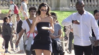 Download Video EXCLUSIVE - Kendall Jenner takes a day off while in Paris for the Fashion Week MP3 3GP MP4