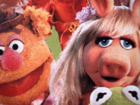 The Muppets Singing The Twelve Days of Christmas. - YouTube