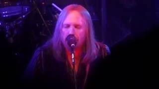 Mudcrutch featuring Tom Petty - Scare Easy