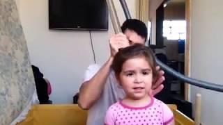 Prendendo o cabelo com aspirador de pó