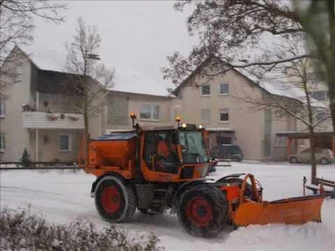 Winterdienst  Winterdienst im Sauerland - YouTube