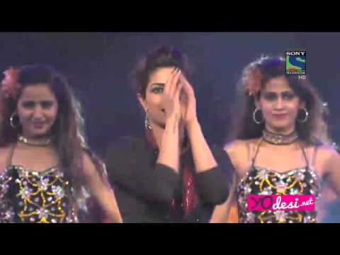 720HD-PRIYANKA CHOPRA PERFORMANCE IN SONY GUILD AWARD 2016