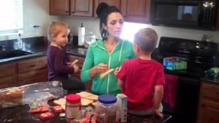 видео Дебора Гудмен Фитнес мама шестерых детей « Deborah Goodman ». Особенности питания