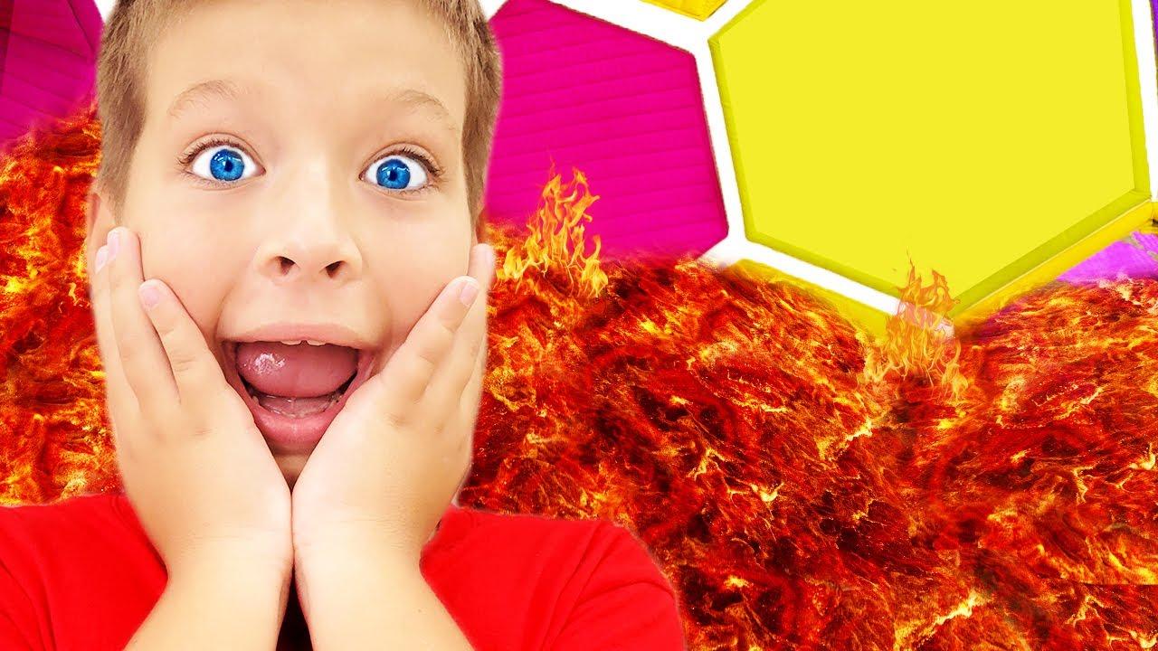 El Piso Es Lava - Canción Infantil   Canciones Infantiles con Max