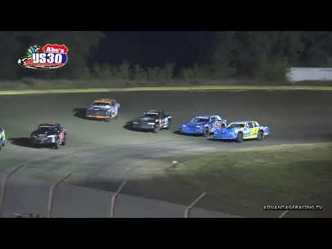 Great battles among Stock Cars - US 30 Speedway - 9/28/18