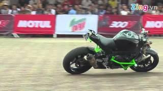 Tai nạn khi trình diễn xe moto mạo hiểm