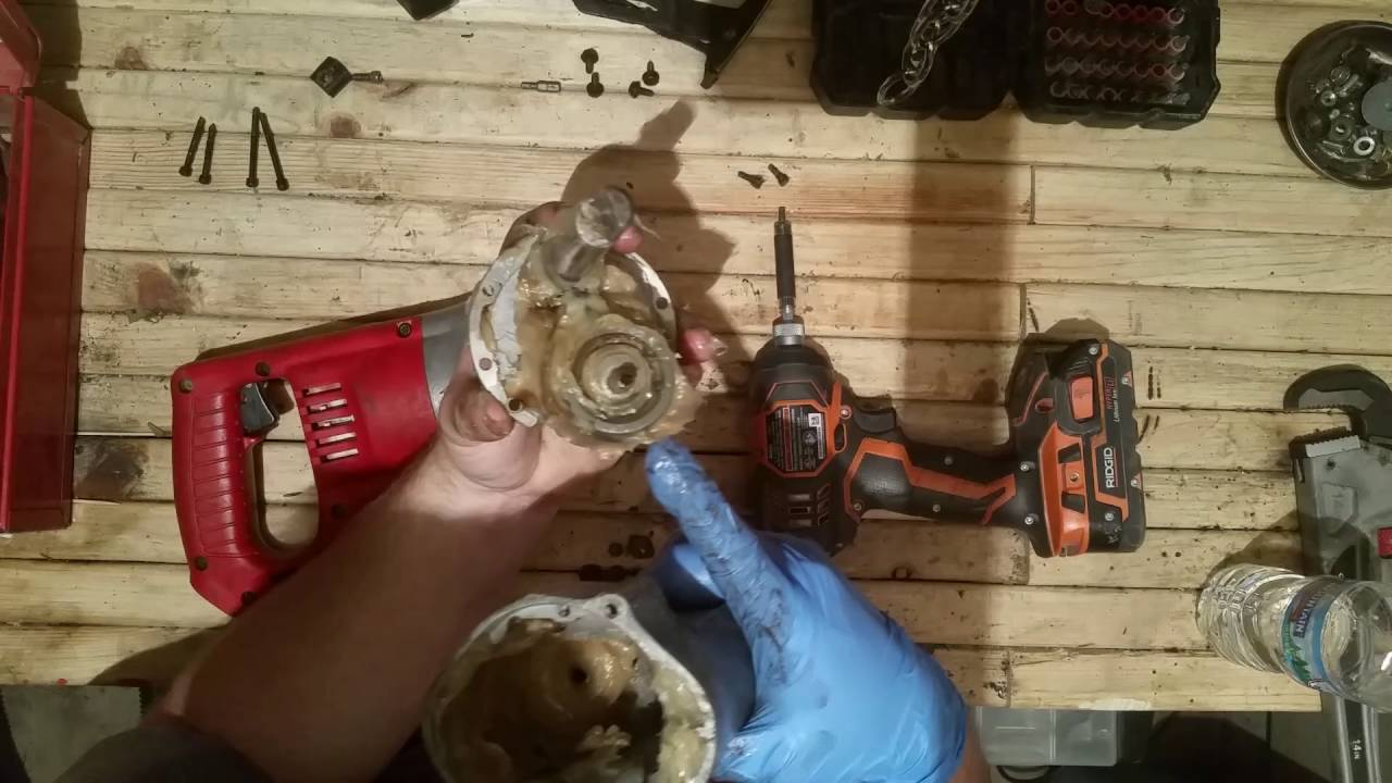 milwaukee sawzall repair and repacking [ 1280 x 720 Pixel ]