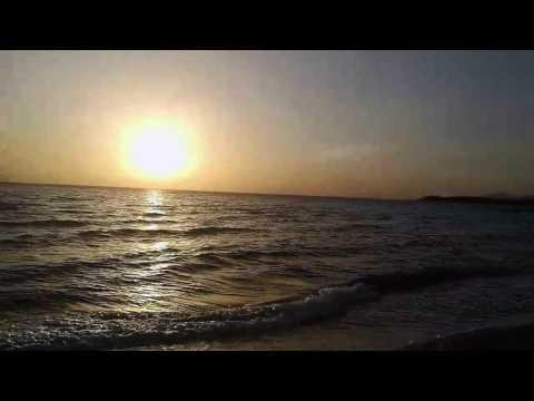 Artemis Simetra Long Beach Club da biz güneşi. Keman çalarak uğurlar..! :) 🐞