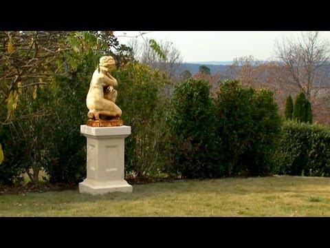 Tour of a Labyrinth and Parterre Garden | P. Allen Smith Classics